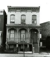 1 1/2 West Marshall Street